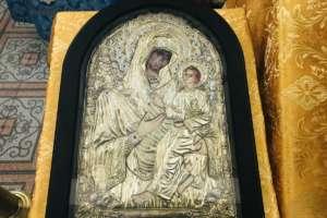 Митрополит Иосиф совершил Воскресные богослужения в Вознесенском храме г. Улан-Удэ