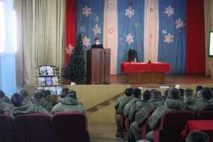 Священник провел «Правовой час» водной извоинских частей Улан-Удэнского гарнизона