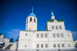Воскресное богослужение в Спасо-Преображенском Посольском мужском монастыре