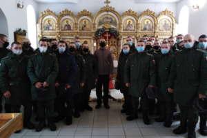 Вхраме Покрова Пресвятой Богородицы состоялось богослужение сучастием военнослужащих