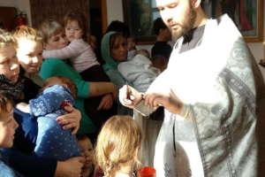 ВВознесенском храме приняли Крещение подопечные Фонда «Радость материнства»