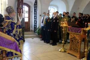 Сотрудники Росгвардии молились за Архиерейским богослужением