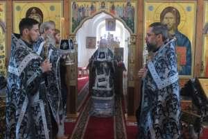 Последняя в этом году Литургия Преждеосвященных Даров была совершена в Одигитриевском соборе