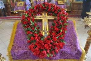 Богослужения в Неделю 3-ю, Крестопоклонную, Великого поста