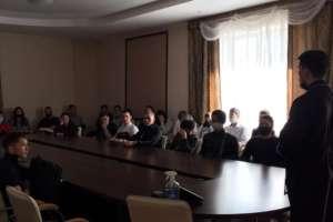 Руководитель епархиального Молодежного отдела встретился состудентами Бурятского республиканского индустриального техникума