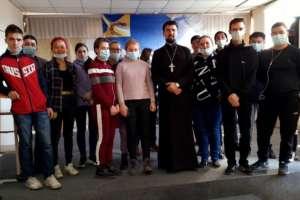 ВБайкальском многопрофильном колледже Улан-Удэ состоялась встреча студентов сосвященником
