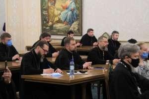 Встреча В.Р. Легойды сруководителями профильных епархиальных отделов прошла вХраме Христа Спасителя