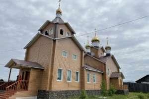 Божественная Литургия в храме в честь Казанской иконы Божией Матери с. Новоильинск