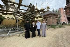 В скором времени будут освящены кресты и главки на строящийся кафедральный собор