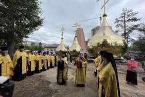 Духовенство епархии освятило кресты для строящегося кафедрального собора г. Улан-Удэ