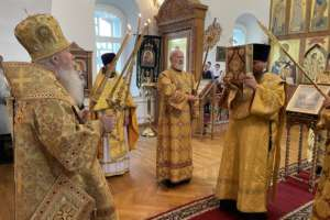 Воскресные богослужения в Одигитриевском соборе